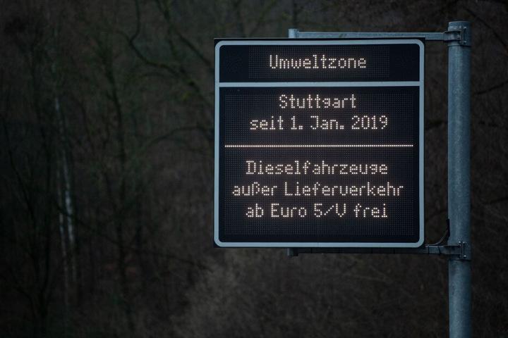 Seit dem 1. Januar gelten in Stuttgart Fahrverbote für Diesel mit der Norm Euro 4 und schlechter.