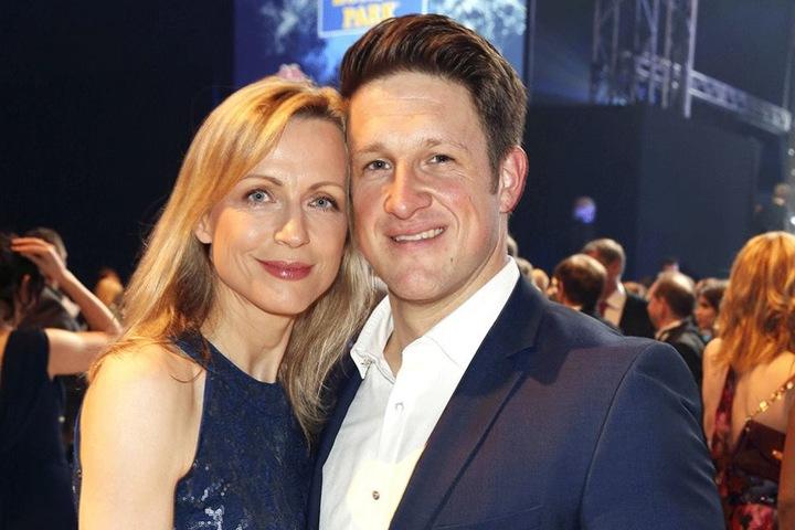 """Ex-Gewichtheber und """"Stemmgast"""" Matthias Steiner (34) kommt mit seiner Frau Inge. 2009 wurde er mit dem St. Georgs Orden des Balls ausgezeichnet."""