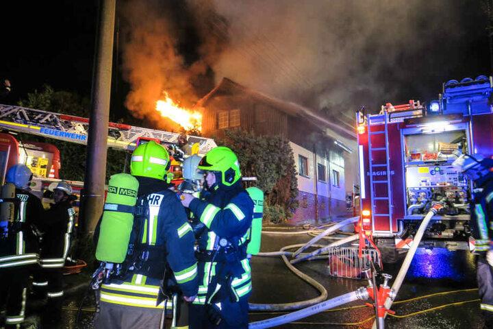 Das Feuer breitete sich vom Keller bis in den Dachstuhl aus.