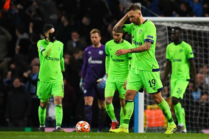 Betretene Mienen: Schalke kam bei Manchester City völlig unter die Räder und war insgesamt chancenlos.
