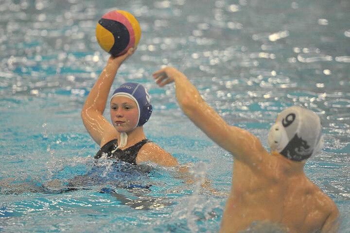 Die neue geplante Schwimmhalle mit 25-Meter-Bahn nützt Sportlern wie den Chemnitzer Wasserballern recht wenig.
