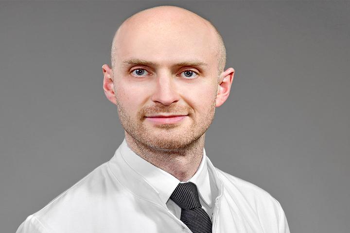 Professor Andreas Hermann (38). Er betreut pro Jahr zirka 100 Patienten,  davon kommen die meisten mehrfach im Jahr.