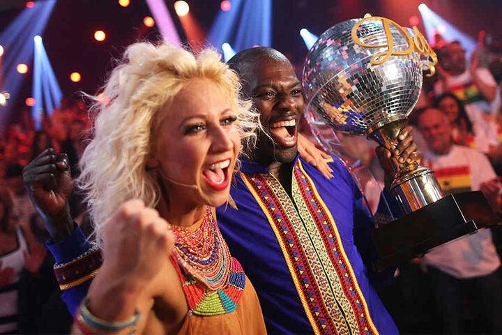 """2015 gewann Sarpei mit Tanzpartnerin Kathrin Menzinger """"Let's Dance"""". Beiden wurde damals eine Affäre nachgesagt."""