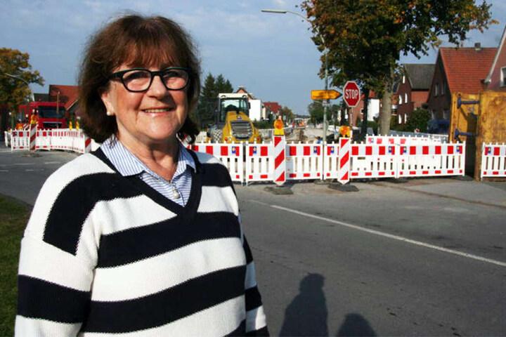 Rita Paulick wurde das Stopp-Schild zwischen zwei anderen Verkehrsschildern zum Verhängnis.