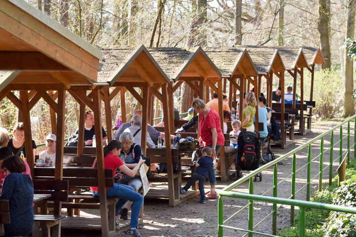 Ein gut frequentierter Anziehungspunkt für die Tierparkbesucher ist der  gastronomische Bereich.