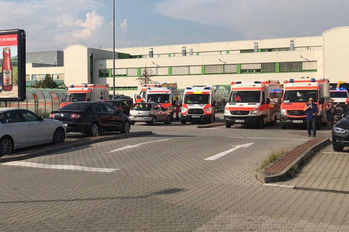 Der Supermarkt musste aufgrund des Gasaustrittes evakuiert werden.