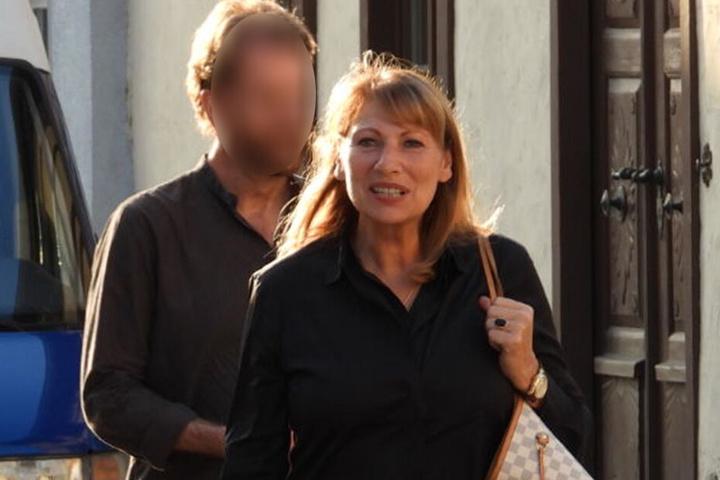Gleichstellungs- und Integrationsministerin Petra Köpping (61, SPD) auf dem Weg zu einer Lesung in Brandis.