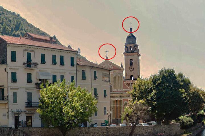 So sieht der Ort in Italien eigentlich aus. Deutlich sichtbar: die zwei Kreuze.