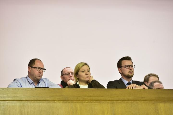 Fanbeauftragte und SPD Stadträtin Peggy Schellenberger auf der Zuschauertribüne.