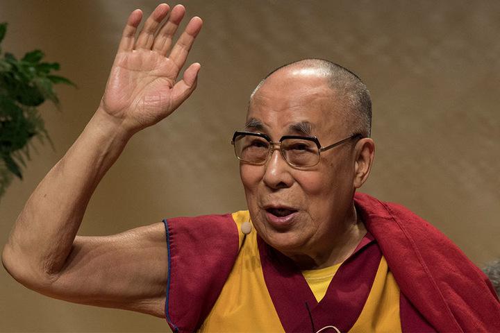 Der Dalai Lama stellte den Lehrplan vor.