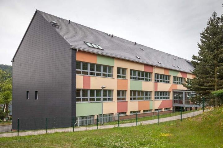 Die Grundschule in Seiffen.