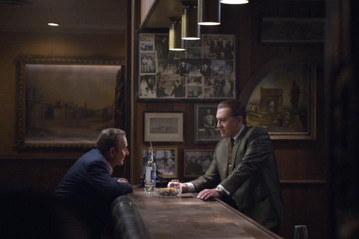 """Der Film """"The Irishman"""" dreht sich um den Mafioso Frank Sheeran (†83), gespielt von Robert De Niro (76, r.)."""