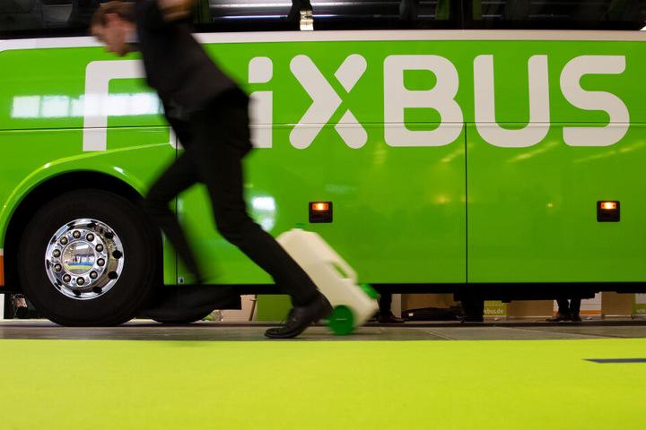 Das Flixbus Unternehmen hat nach den Vorfall interne Ermittlungen gegen den Fahrer eingeleitet. (Symbolbild)