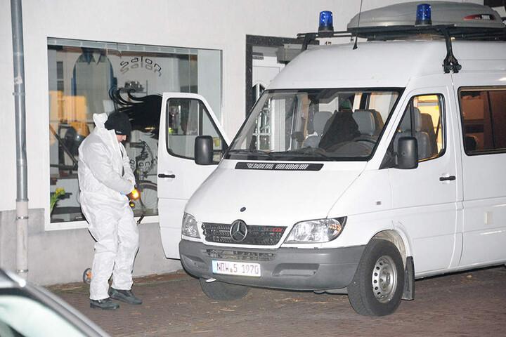 Die Spurensicherung der Polizei Bielefeld ist vor Ort.