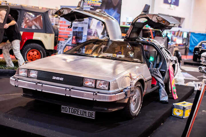 """Auch der """"DeLorean DMC-12"""", als Zeitmaschine im Film """"Zurück in die Zukunft"""" verwendet, ist in Essen zu sehen."""