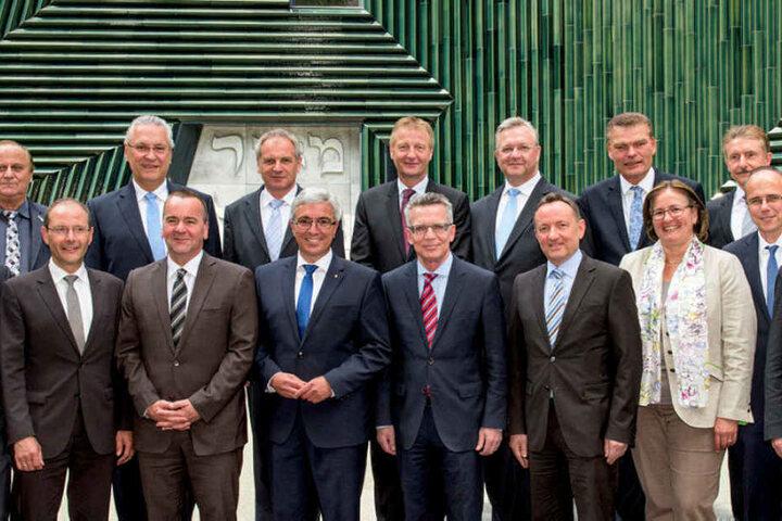 Sie legen in Leipzig die Sicherheitspolitik der kommenden Monate fest: die deutschen Innenminister, hier bei ihrem Treffen 2015 in Mainz.