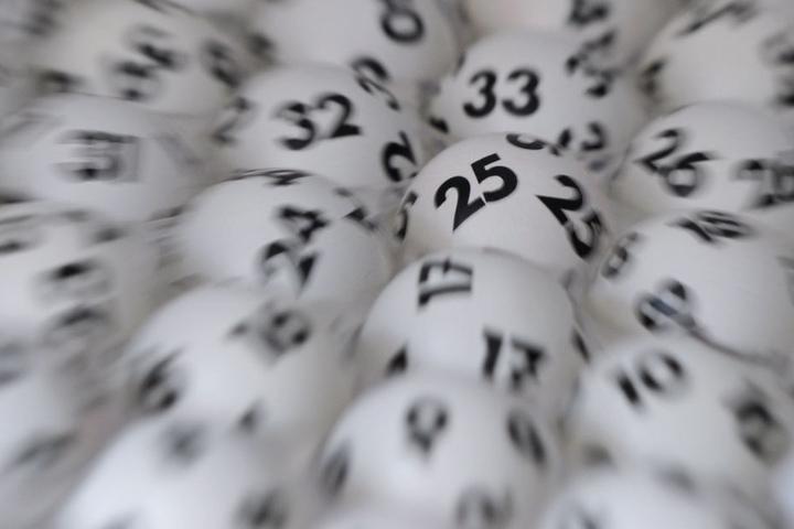 Bis 2020 hat der Glückspilz noch Zeit. Dann wandert das Geld in einen Topf für Sonderverlosungen. (Symbolbild)
