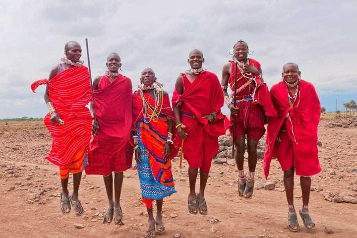 Masaii-Krieger in Kenia: Die TU Chemnitz untersucht die Auswirkungen des Schuhwerks auf den Gleichgewichtssinn.