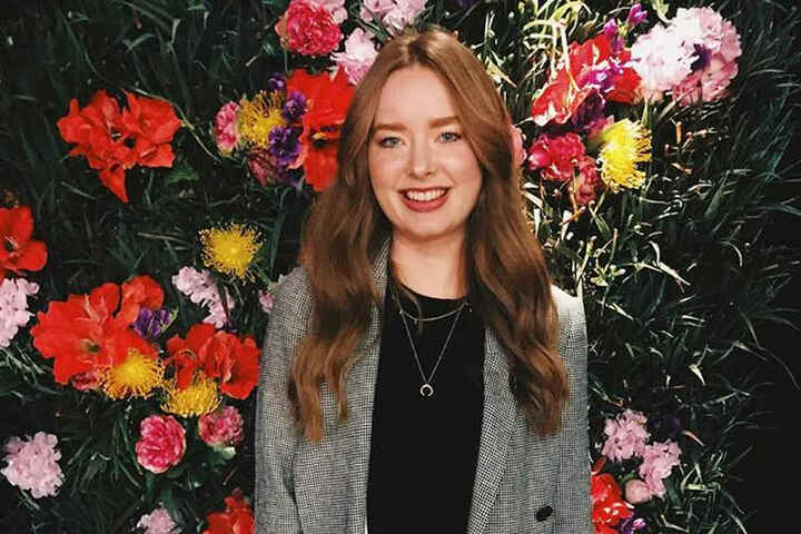 Die 21-jährige Designerin von Meghans Handtasche, Charlotte Elizabeth, musste in ihrem Leben schon mehrere Schicksalsschläge ertragen.