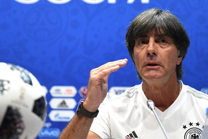 Bundestrainer Joachim Löw hat für das Match gegen Schweden eigentlich nur kleinere Korrekturen in der Aufstellung geplant.