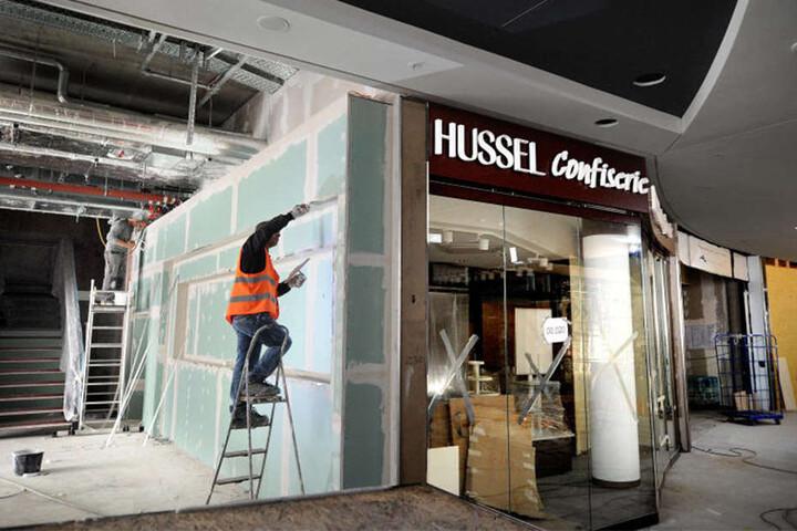 Die ersten Shop-Namen hängen bereits.