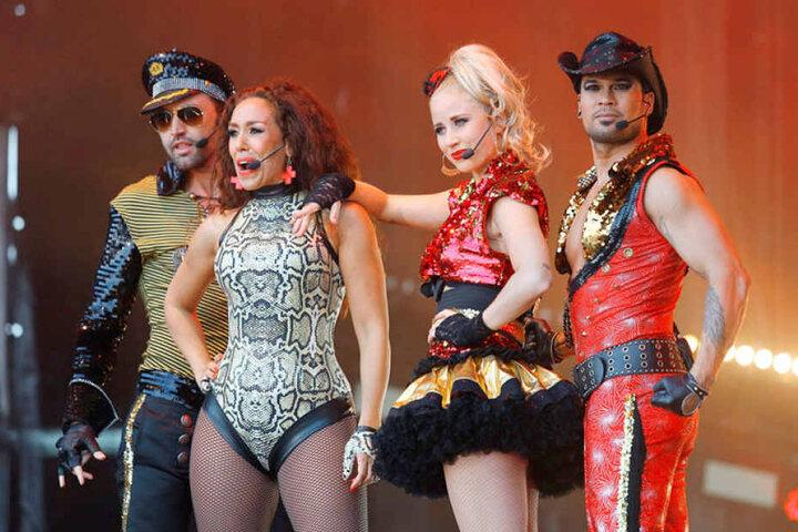 Die niederländische Eurodance-Band Vengaboys um Frontfrau Kim Sasabone (2.v.l.) kam vor 20 Jahren groß raus.