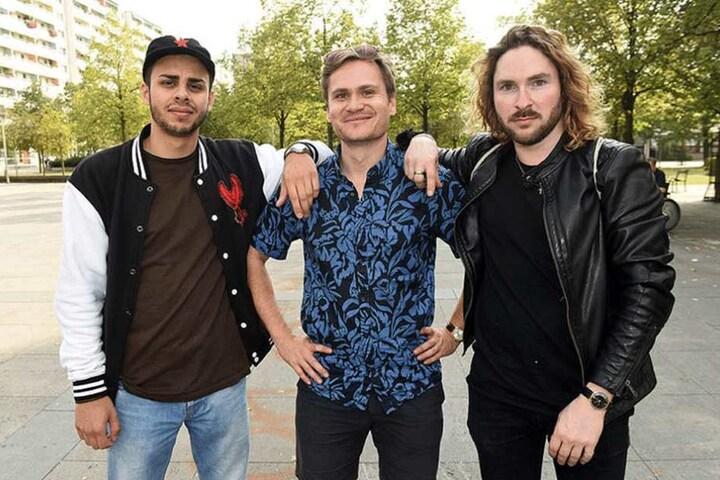 Oliver Kobe (Mi.) hatte die Idee zu dem Song,Neo Kaliske (re.) und Padshah gehören zu den Musikern, die den Song entstehen ließen und umsetzten.