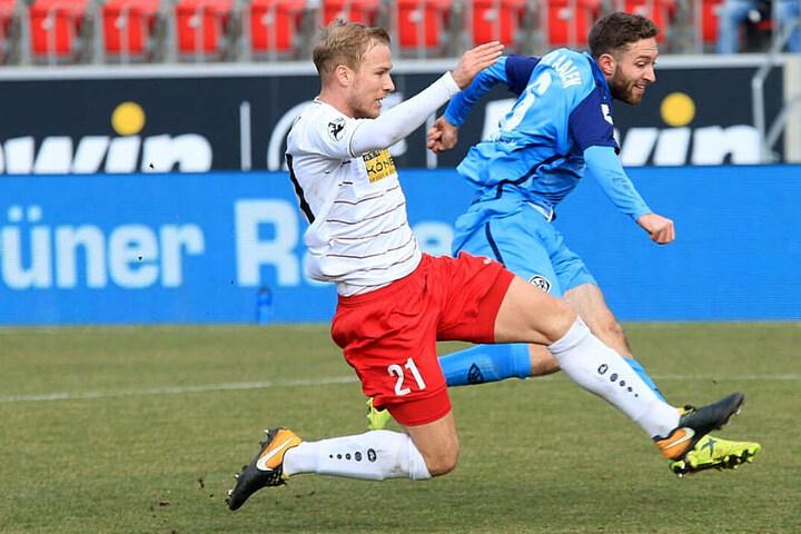 Während RWE das Spiel verlor, ärgerten Aalen-Fans das Sicherheitspersonal.