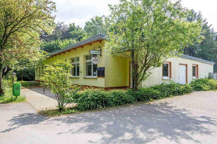 """Die Gaststätte """"Waldblick"""" ist seit Monaten still gelegt."""