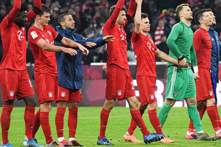 Der FC Bayern München hat den FC Schalke 04 aus der Allianz Arena geschossen.