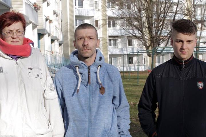 Simone M. (55) und Denis (L.) sorgten mit ihrer Arbeitsverweigerung für Empörung. Einzig Sohn Basti (17) geht arbeiten.