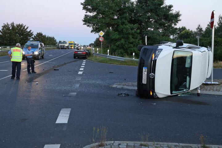Zwei Personen wurden verletzt und kamen ins Krankenhaus.