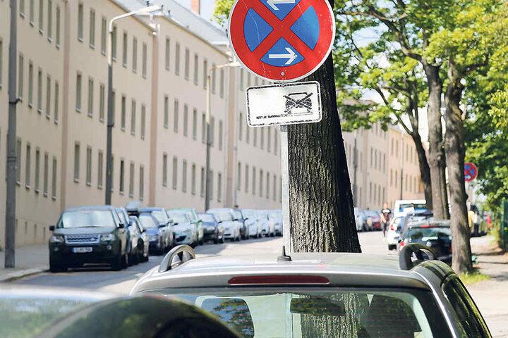 Im Juni hatten etwa 30 Autos im Halteverbot in der Fürstenstraße Plattfüße.