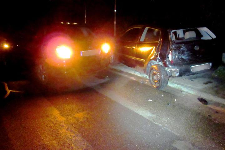 Der Transporter schleuderte bei dem Unfall einen VW Polo in einen Skodia Fabia.