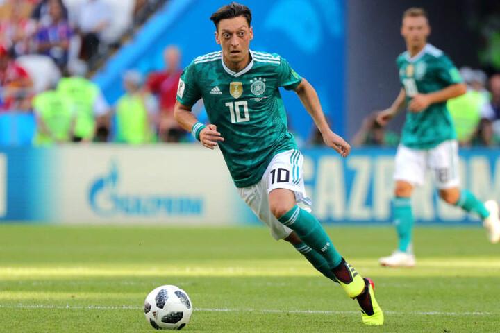 Mesut Özil hat am Sonntagabend seinen Rücktritt aus dem DFB-Team erklärt.