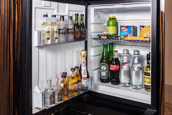 Haben die Minibars in den Hotelzimmern etwas mit den mysteriösen Todesfällen zu tun? (Symbolbild)