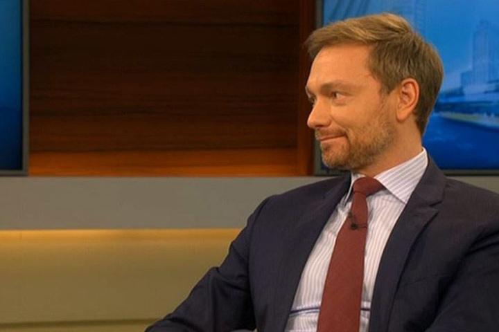 """Christian Lindner hatte nicht viele Redeanteile. """"Der Fehler war vier Wochen zu sondieren"""", so der FDP-Parteivorsitzende."""