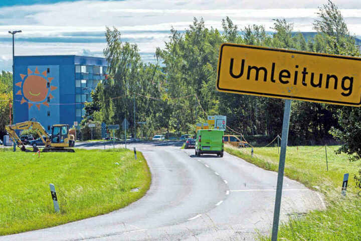 An der Stollberger Straße entsteht ein neuer Kreisverkehr. Der Verkehr wird umgeleitet.