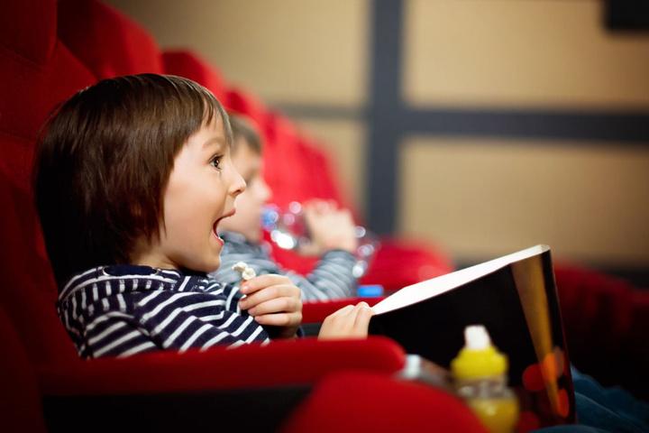 Kinder kommen beim Disney-Junior-Mitmach-Kino voll auf ihre Kosten. (Symbolbild)