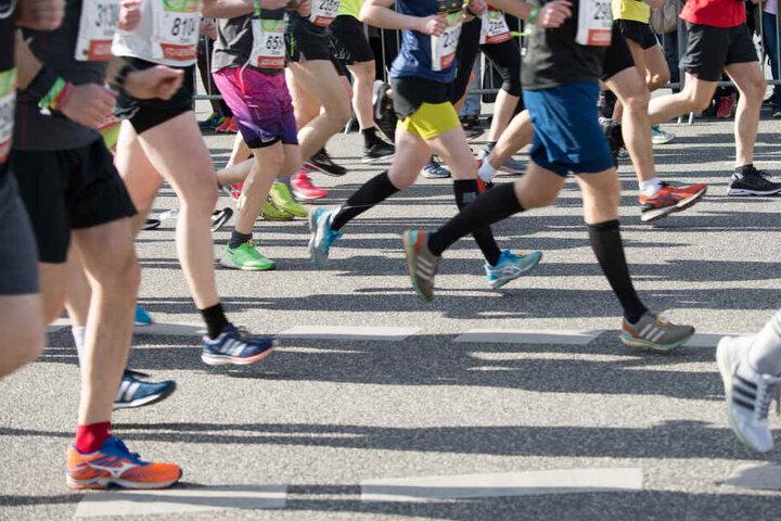 Auch wer selbst nicht mit rennt kann trotzdem viel Spaß beim Berliner Halbmarathon haben. (Symbolbild)