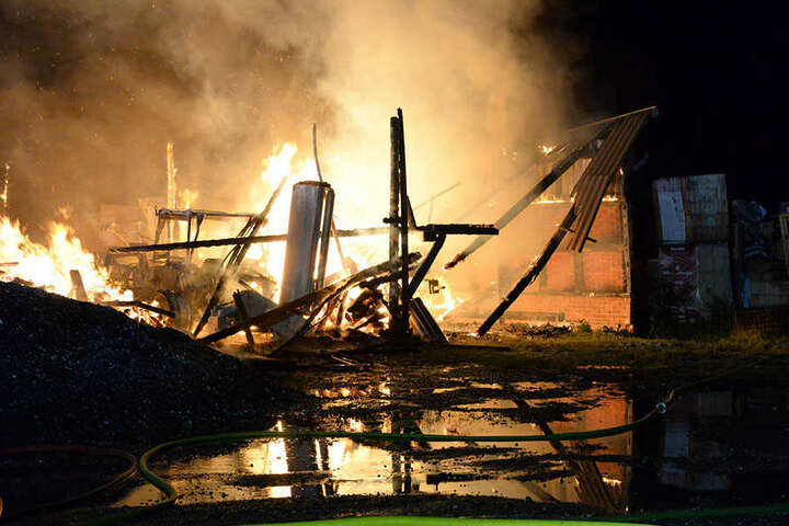 Das Feuer hinterließ Schutt und Asche.
