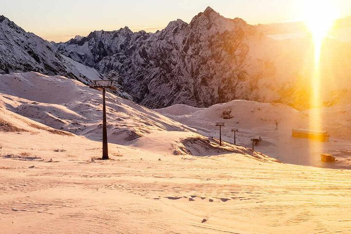 Die neue Wintersportsaison kann auch im Freistaat Bayern endlich losgehen. (Symbolbild)