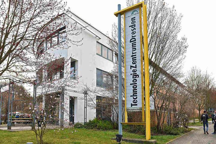 Im Technologiezentrum Dresden hat sich das neue Tech-Unternehmen angesiedelt und eine erste Produktionsstätte eröffnet.