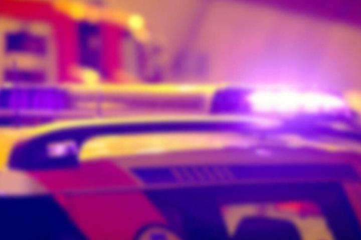 Eine ebenfalls am Unfall beteiligte 53-Jährige wurde mit schwersten Verletzungen in das Klinikum Fulda gebracht.