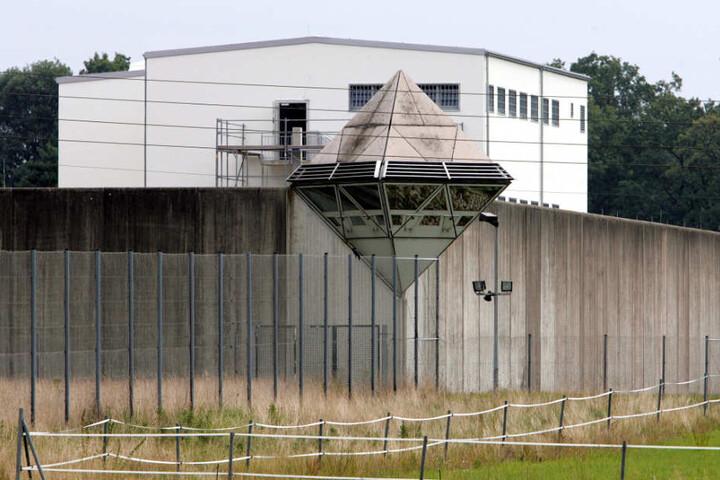 Derzeit sitzt der Häftling in der JVA Brackwede hinter Gittern.