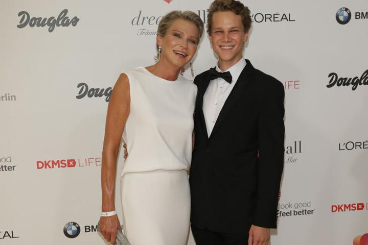 Der junge Unternehmer ist Sohn von Stephanie Gräfin von Pfuel (57).