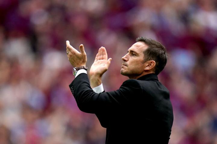 Chelsea-Legende Frank Lampard hat den 18-Jährigen angeblich überzeugt, beim Klub zu bleiben.