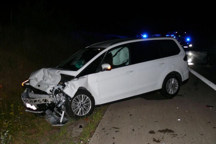 Insgesamt sieben Personen verletzten sich bei dem Crash.