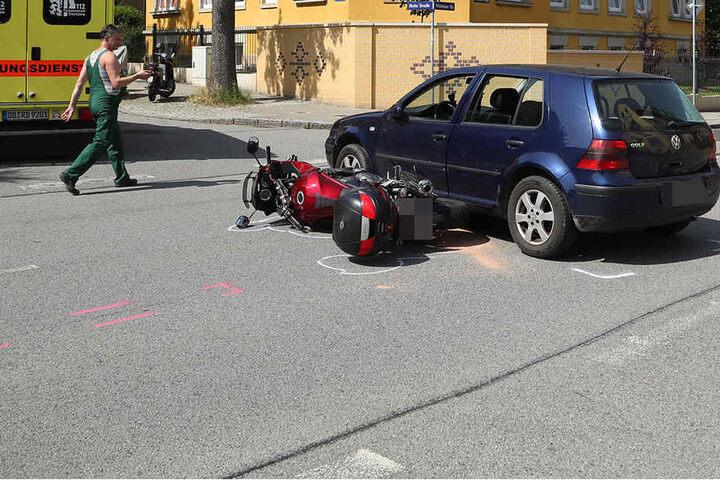 Wegen des Crashs ist die Nöthnitzer Straße gesperrt.
