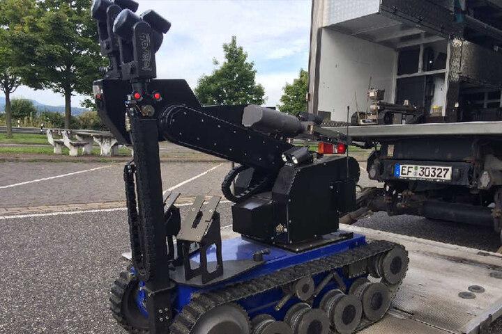 Ein spezieller Sprengstoffroboter kam zum Einsatz.